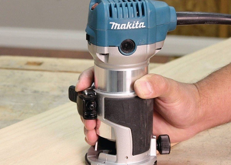 Makita RT0701C 1-1/4 HP Compact Router Review